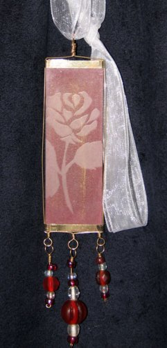 Rose Pendant (Gold/Red)