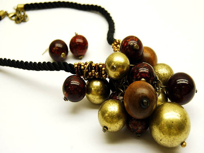 Brown and Gold Cluster