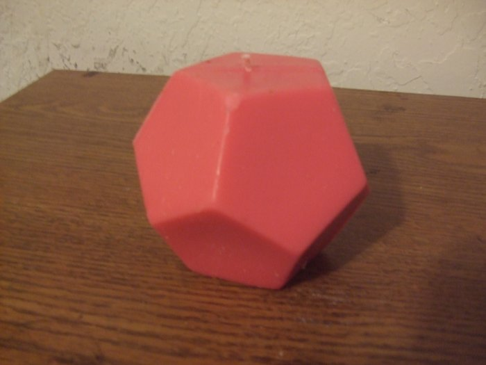 Polygon Ball candle