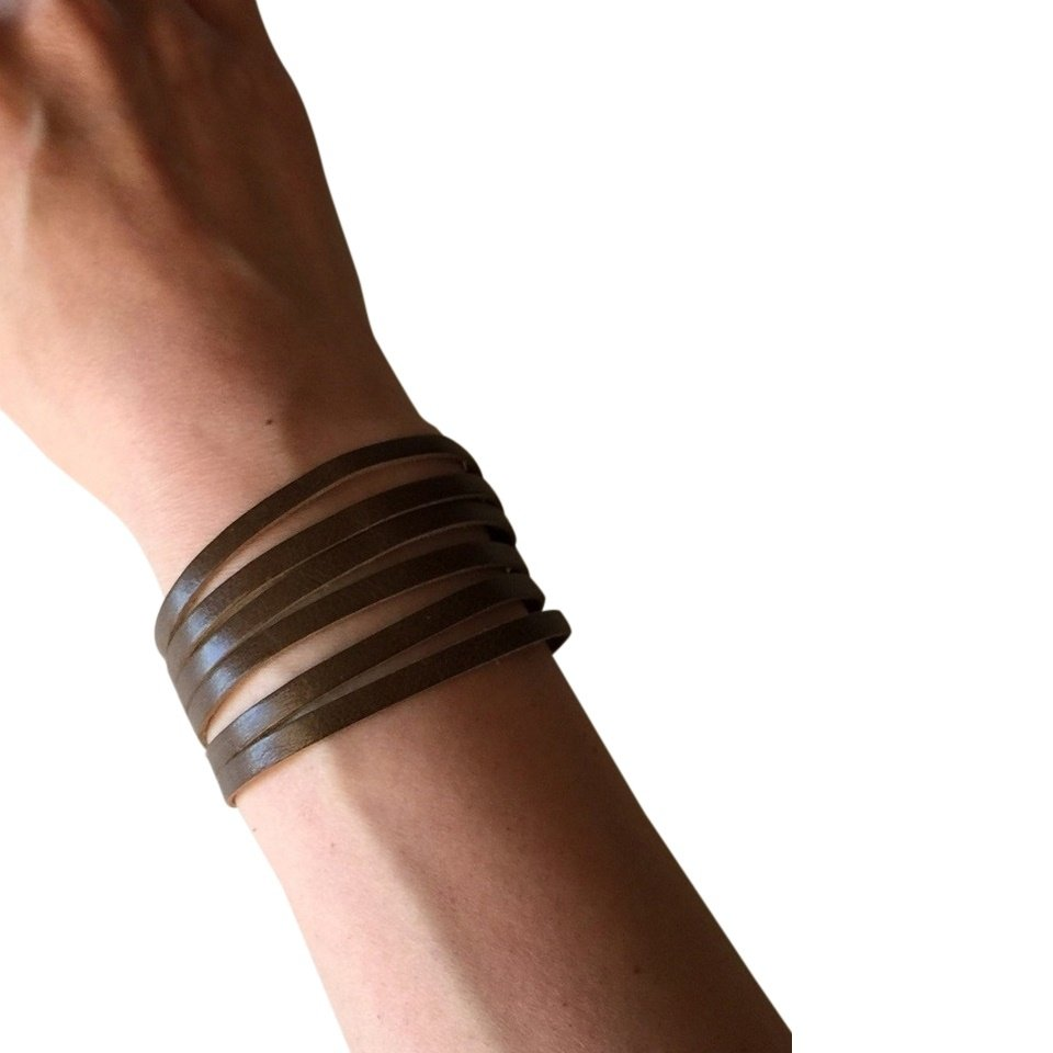 Slim Leather Strips Cuff - Olive