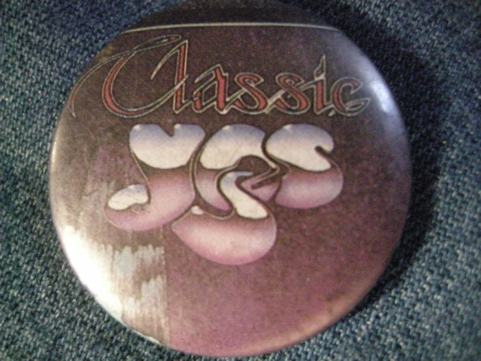 YES PINBACK BUTTON Classic Yes logo VINTAGE