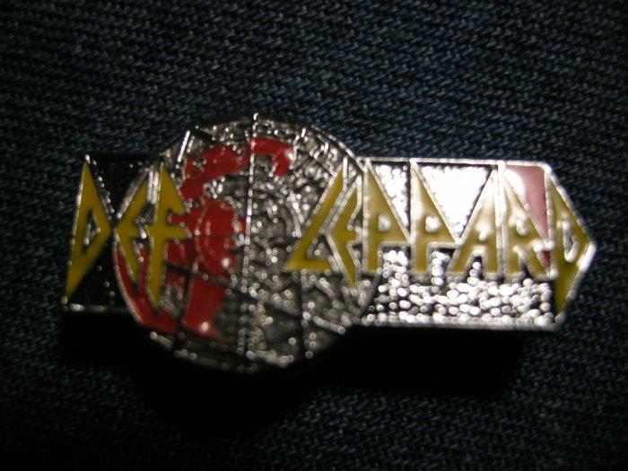 DEF LEPPARD PINBACK BUTTON Pyromania die-cut logo VINTAGE