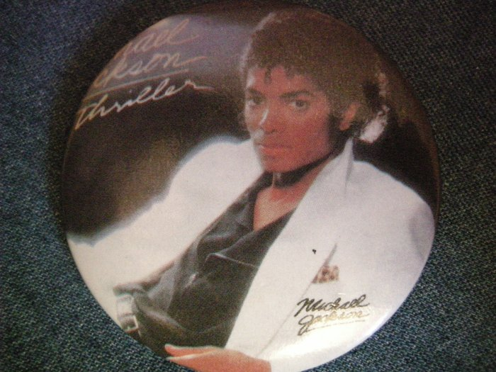 MICHAEL JACKSON PINBACK BUTTON Thriller album art VINTAGE