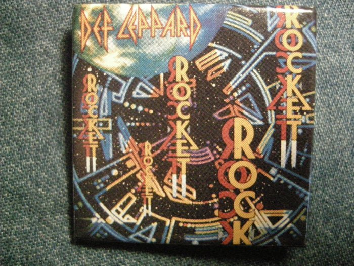 DEF LEPPARD PINBACK BUTTON square Rocket art VINTAGE