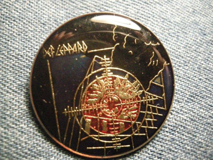 DEF LEPPARD TACK PIN Pyromania round button VINTAGE
