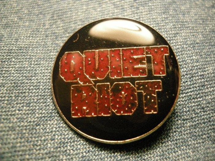 QUIET RIOT TACK PIN round logo button VINTAGE 80s!