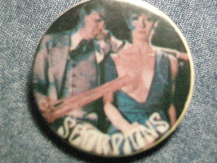 SCORPIONS PINBACK BUTTON Lovedrive bubblegum girl VINTAGE