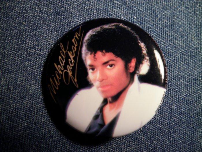 MICHAEL JACKSON PINBACK BUTTON Thriller licensed NEW