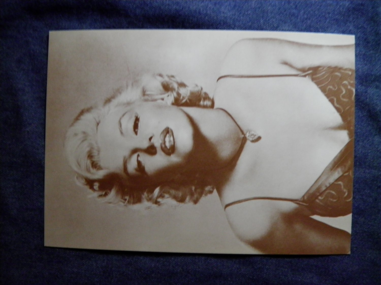 MARILYN MONROE PHOTO CARD bust trading vending postcard VINTAGE