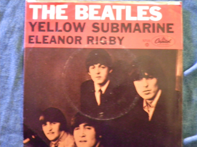 45 THE BEATLES Yellow Submarine b/w Eleanor Rigby vinyl record W/PICTURE SLEEVE
