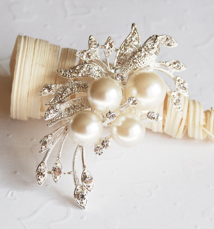 1 pc Rhinestone Crystal Diamante & Pearl Silver Flower Brooch Pin Jewelry Cake Decoration BR006
