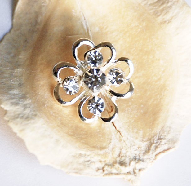 20 pcs Rhinestone Button Clover Diamante Crystal Hair Clip Wedding Invitation BT071