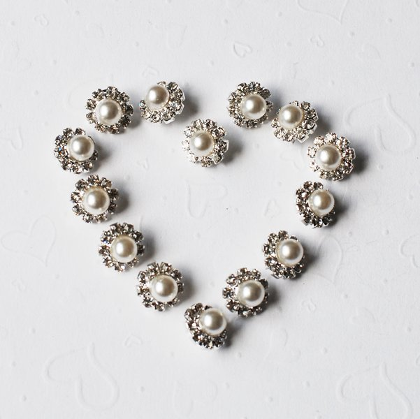 50 Round Rhinestone Button Pearl Diamante Crystal Silver Hair Clip Wedding Invitation BT108