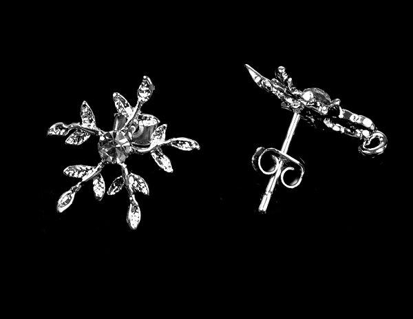 10 pcs Rhinestone Snowflake Earstuds Clear Crystal with Loop Silver Plated EF034