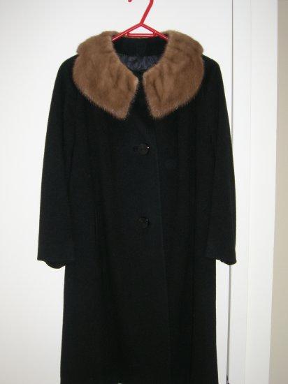 Vtg 100% Cashmere Black coat with fur