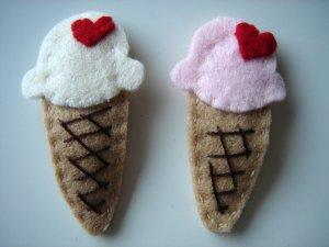ICE CREAM HAIR CLIP - Vanilla flavour