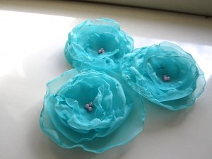 3 X BEAUTIFUL HANDMADE BLOSSOMS - Aqua Marine