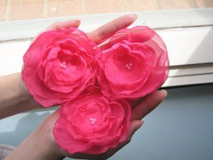 3 X BEAUTIFUL HANDMADE BLOSSOMS - Fuchsia