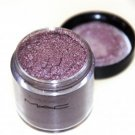 MAC Pigment in Circa Plum