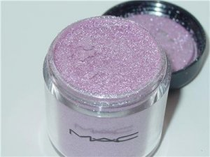 MAC Pigment in Kitschmas