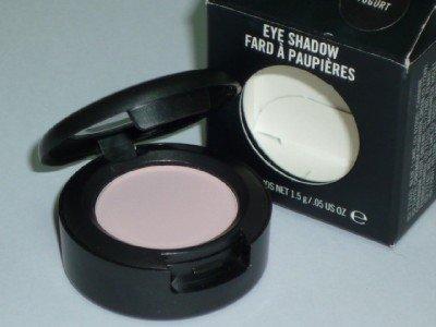 MAC Eyeshadow in Yogurt