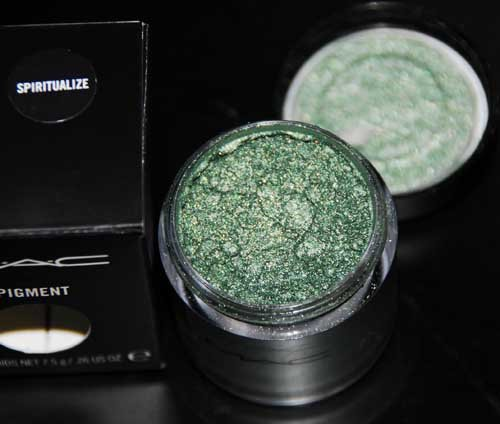 MAC Pigment in Spiritualize