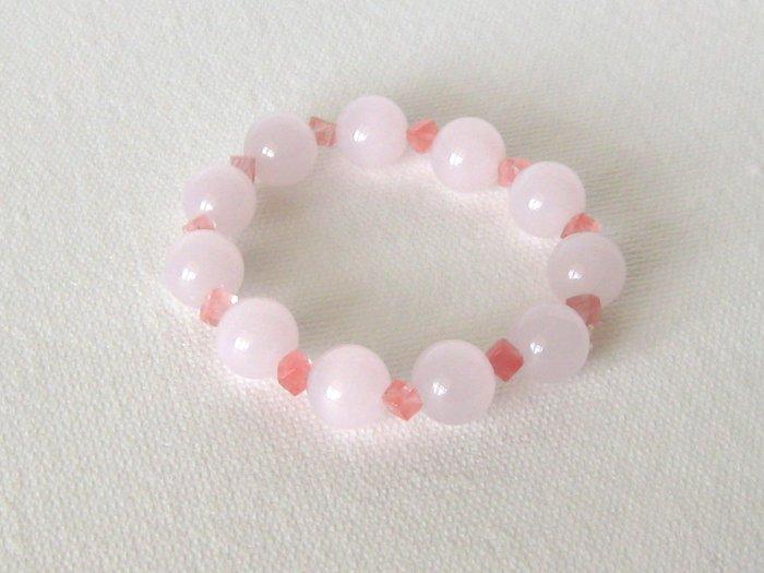 B00016  Handmade strecth beaded bracelet with elastic cord, synthetic pink cats eye  & cherry quartz