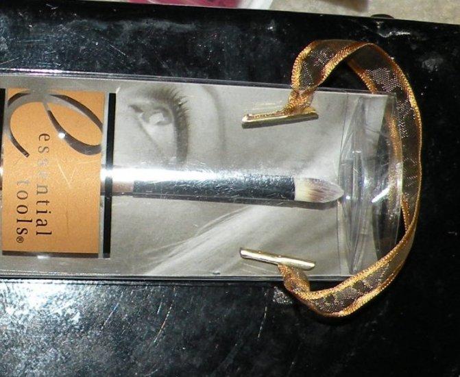 Essential Tools Concealer Brush