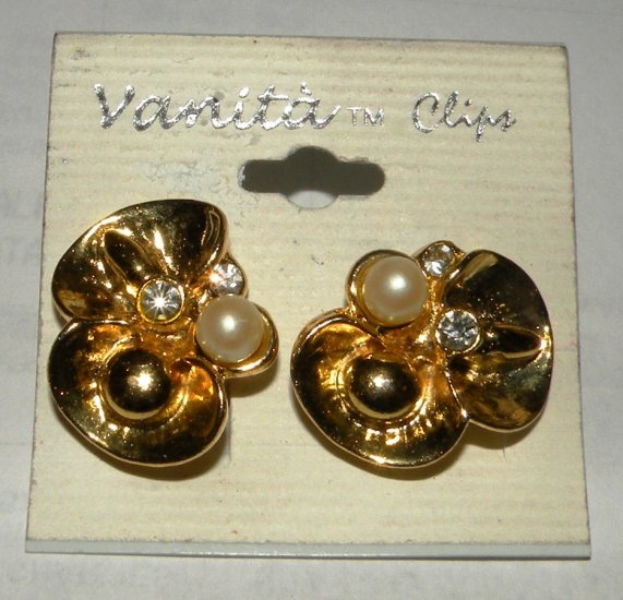 Gold tone Crystal & Pearl Flower Clip On Earrings