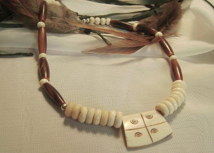 17 Inch Buffalo Bone & Pendant Necklace