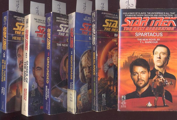 6 Star Trek Next Generation including Laurell K. Hamilton PB