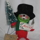 Annalee Mouse Caroler holding tree, eyes closed 1992