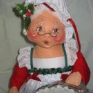 Annalee Mrs. Santa Claus Holding a Platter 1991 18 inches