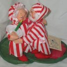 Annalee Santa and Mrs. Claus Kissing Goodnight 1990
