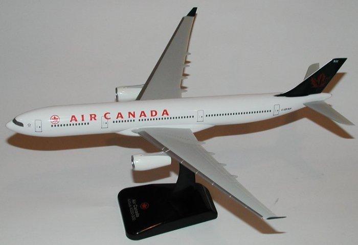 Hogan Wings 1:200 Air Canada Airbus 330-300 Wheels included AC00002