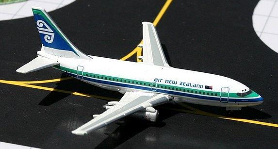 GeminiJets 1:400 Air New Zealand Boeing 737-200 ANZ00001