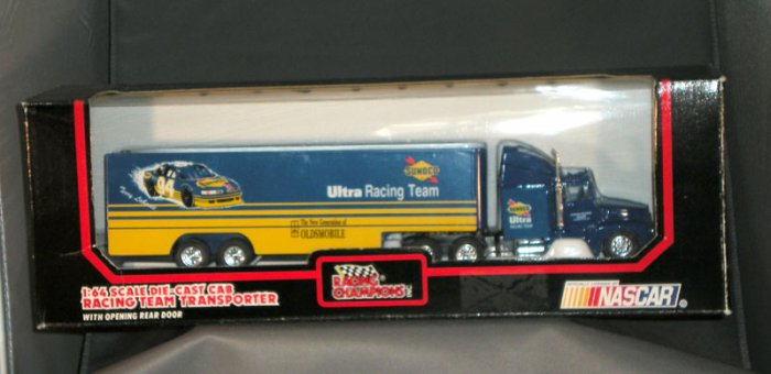 Terry Labonte #94 Sunoco Ultra Racing Transporter Racing Champions 1:64 Die Cast NASCAR