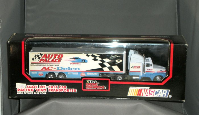 Joe Bessey #9 Auto Palace AC Delco ALYNE Trucking Racing Champions Transporter 1:64 Die Cast NASCAR