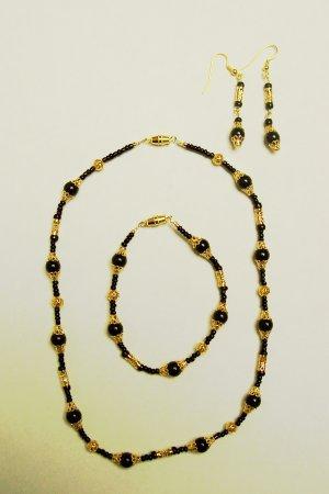 black and gold set