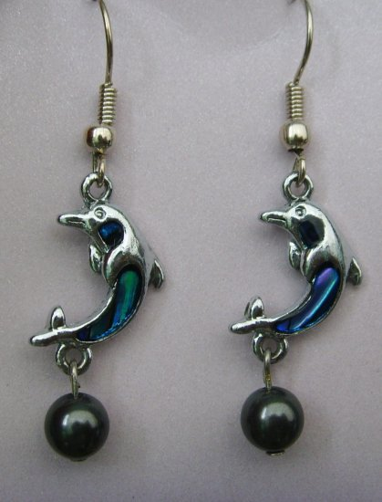 Oceanfrost Collection: BlackPearl Dolphin