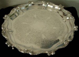"Vintage Wallace ""La Reine"" Silverplate Footed Serving Tray"