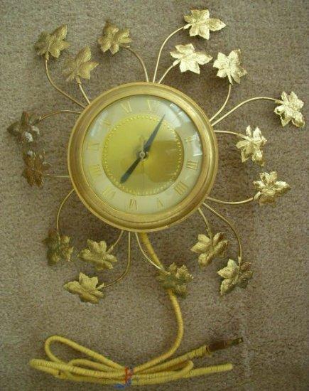 Vintage 1950's United Brass Maple Leaf Wall Clock