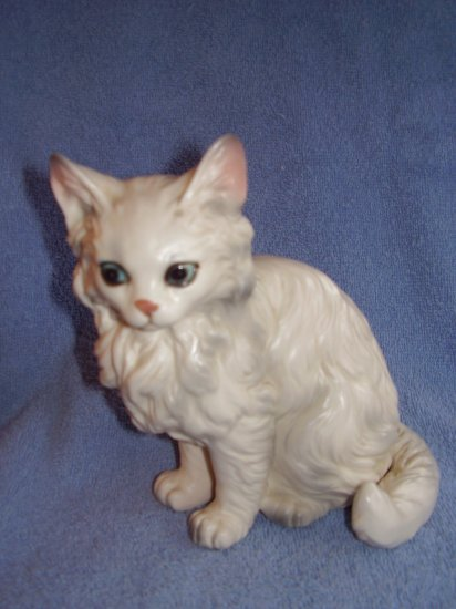 "LEFTON Ceramic 6"" inch WHITE KITTEN with BLUE EYES"