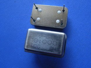 10MHz Crystal oscillator, 4 legs, 2 pcs.  (Item# X0030)