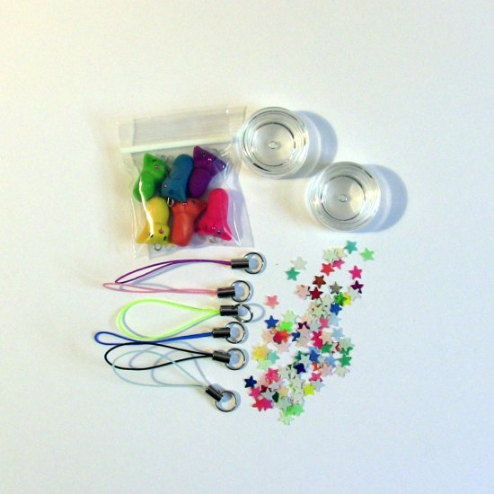 DIY Party Kit- 6 Rainbow Kitty Phone or Zipper Charms with Stars