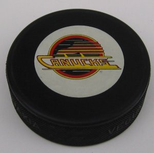 Official Trench Mfg. VANCOUVER CANUCKS Hockey Puck and Display Case