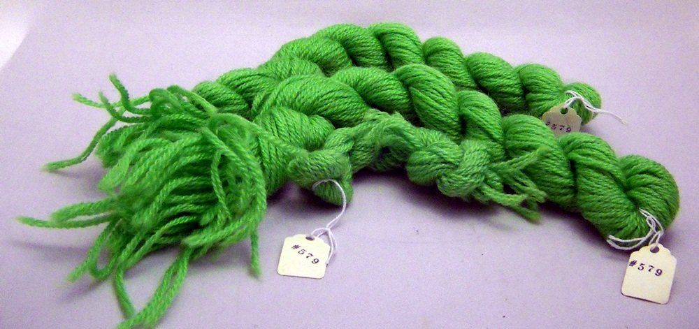 3 ply yarn - 4 skeins color 579