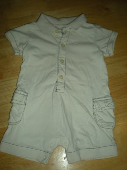 Old Navy Tan outfit