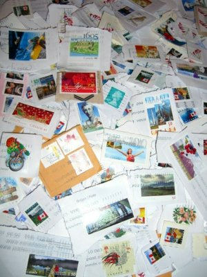 Mixed Lot of 50 Canadian Stamps (Used)