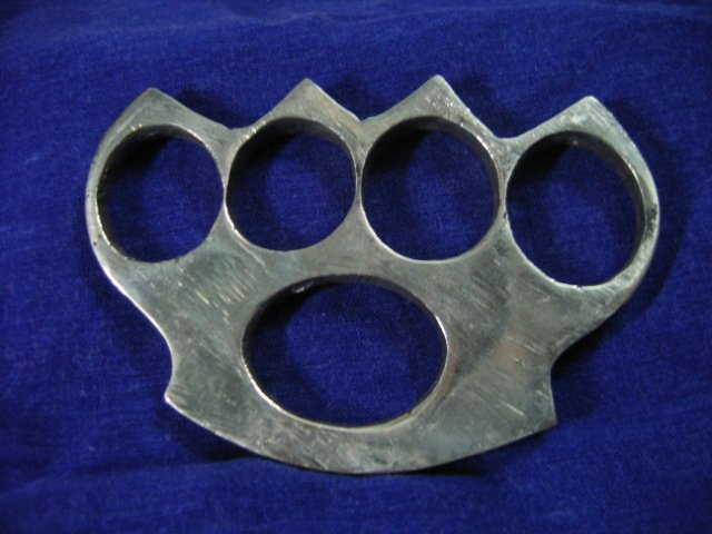 Heavy Brass Knuckle Duster- 0.6cm Thick(atleast 3 can b shipped in shiping cost of 1)